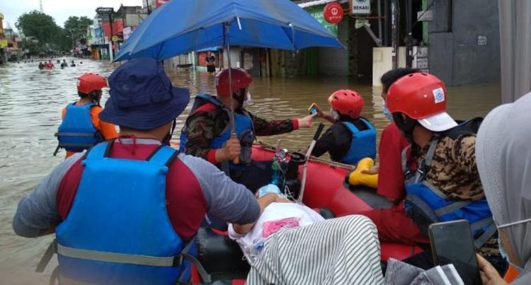 Banner program Bekasi Dikepung Banjir Bantu Warga Terdampak