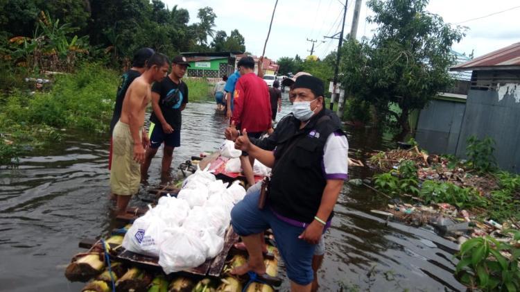 Gambar banner Kalimantan Berduka, Bantu Warga Terdampak Banjir