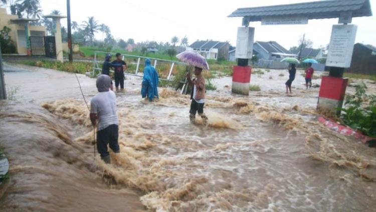 Gambar banner Bantu Warga Korban Banjir dan Longsor di Cianjur